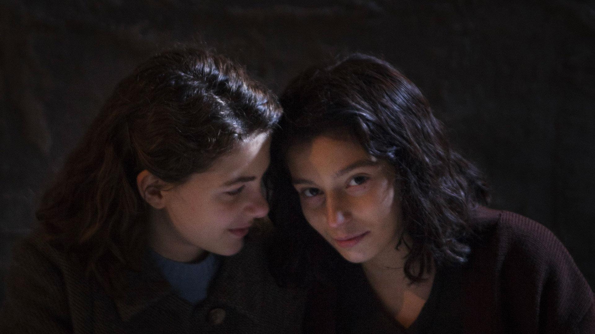 """Elena e Lila, protagoniste della serie tv """"L'Amica Geniale"""""""