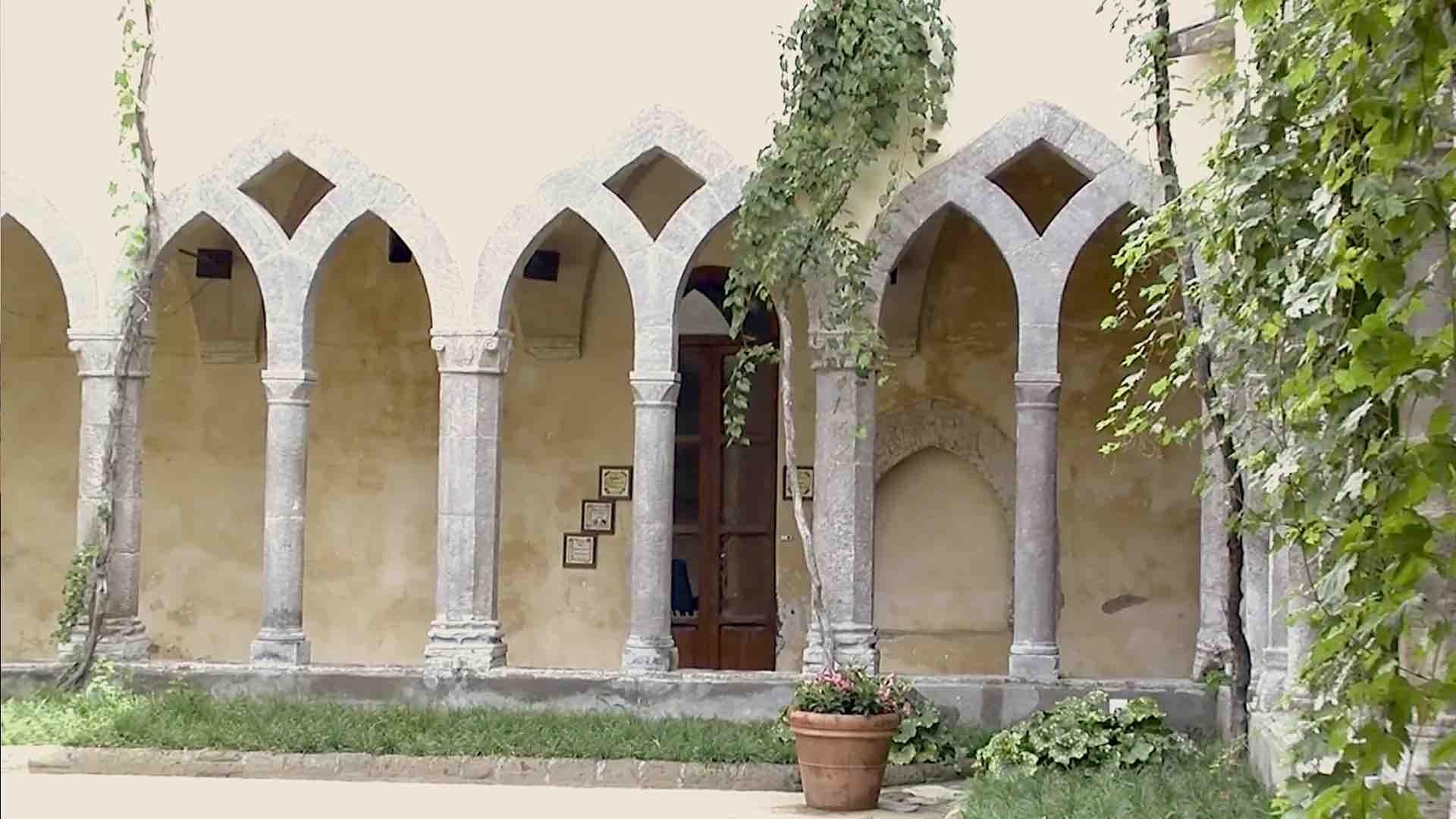 Il Chiostro di San Francesco, gemma panoramica a Sorrento