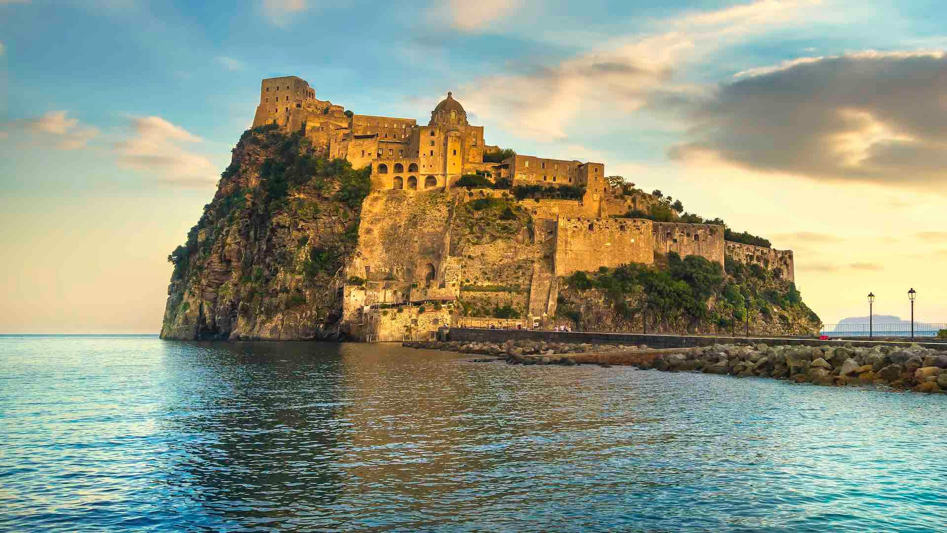 Il Castello Aragonese di Ischia: roccaforte iconica dell'isola