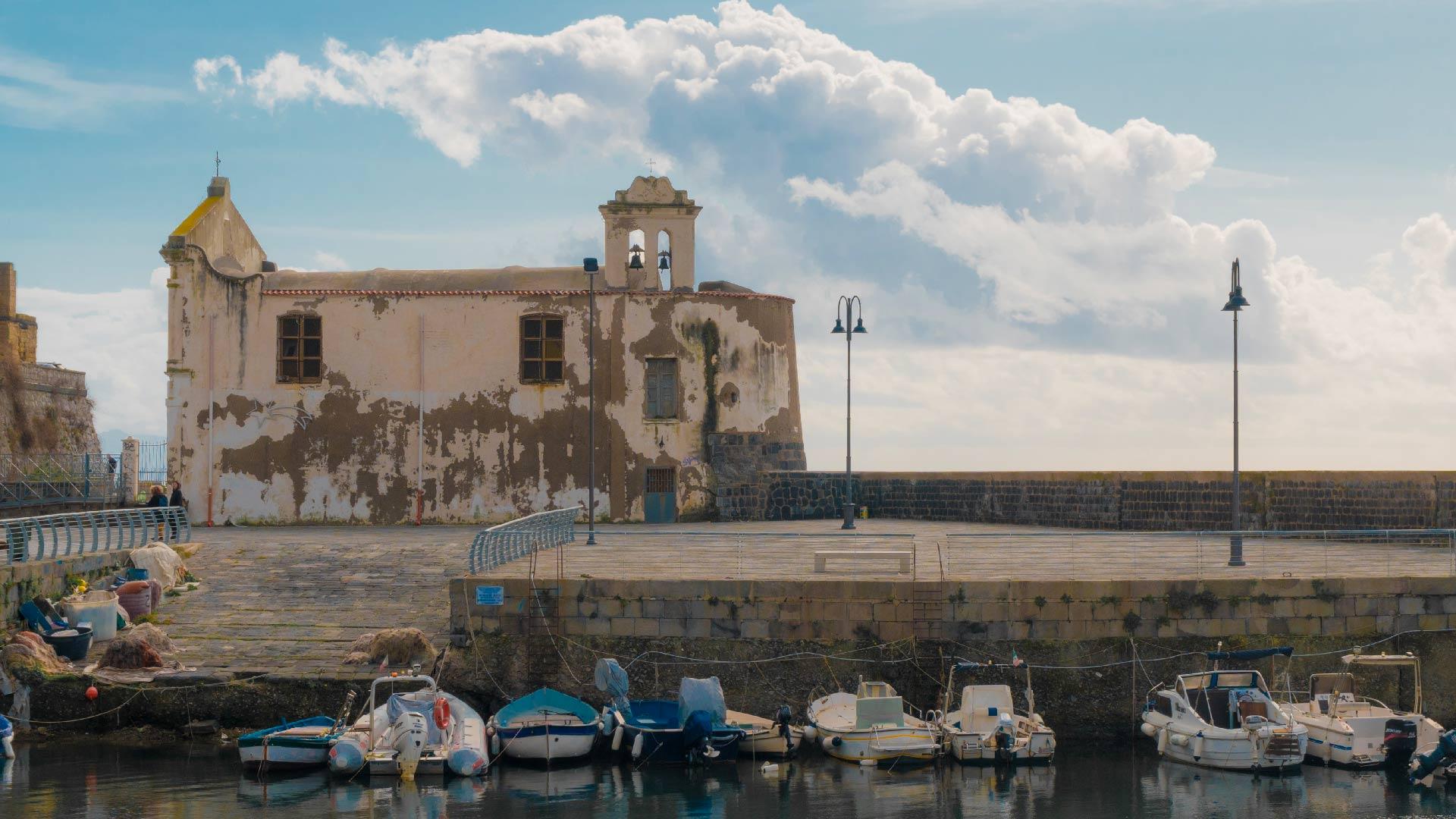 Chiesa dell'Assunta a mare: la chiesa dei pescatori