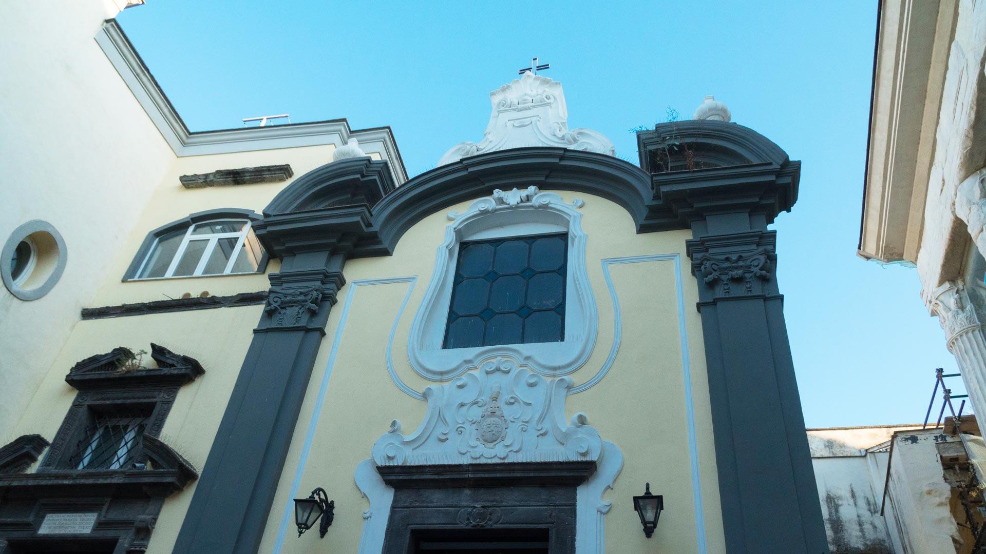 Facciata del Duomo di Pozzuoli