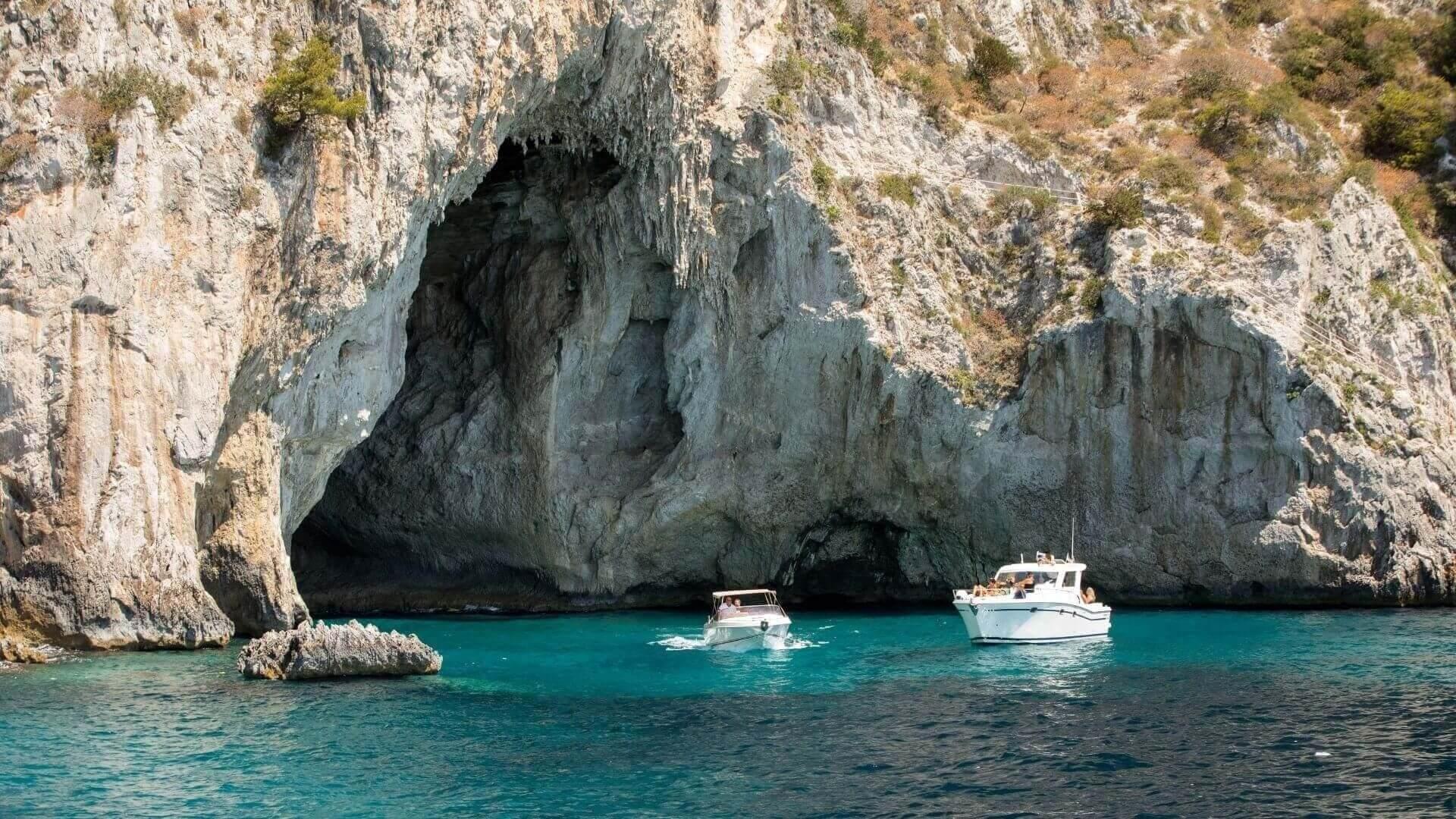 La Grotta Bianca e la Grotta Meravigliosa