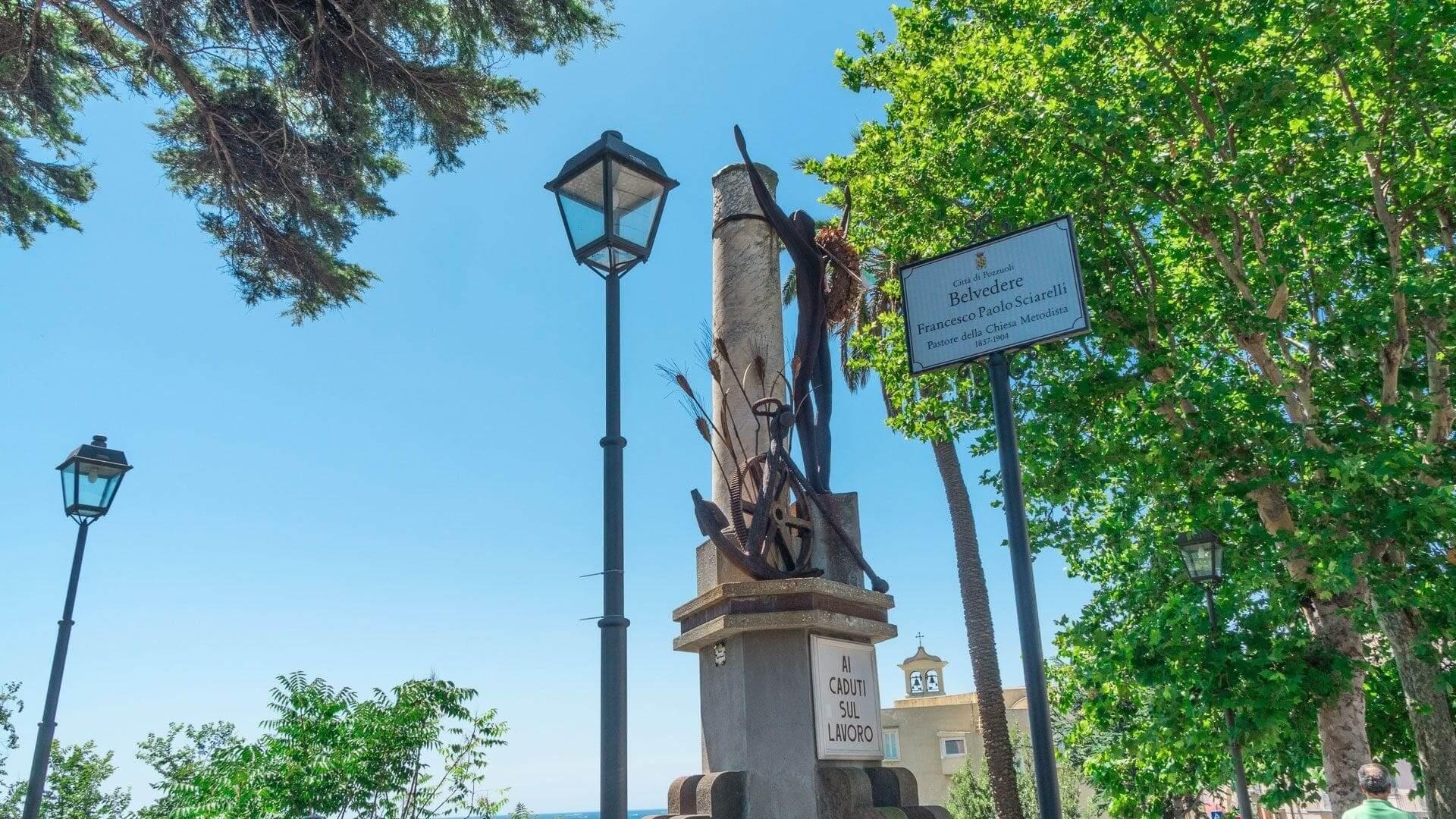 Monumento ai caduti sul lavoro: la memoria di Pozzuoli