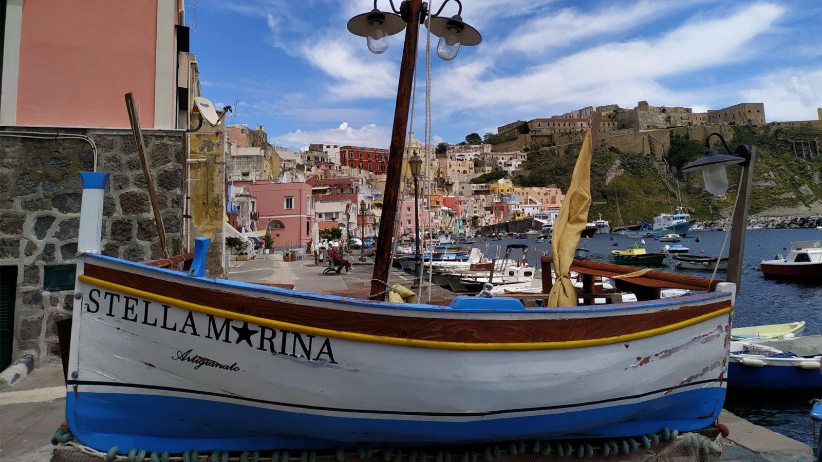 L'antico borgo di Marina della Corricella