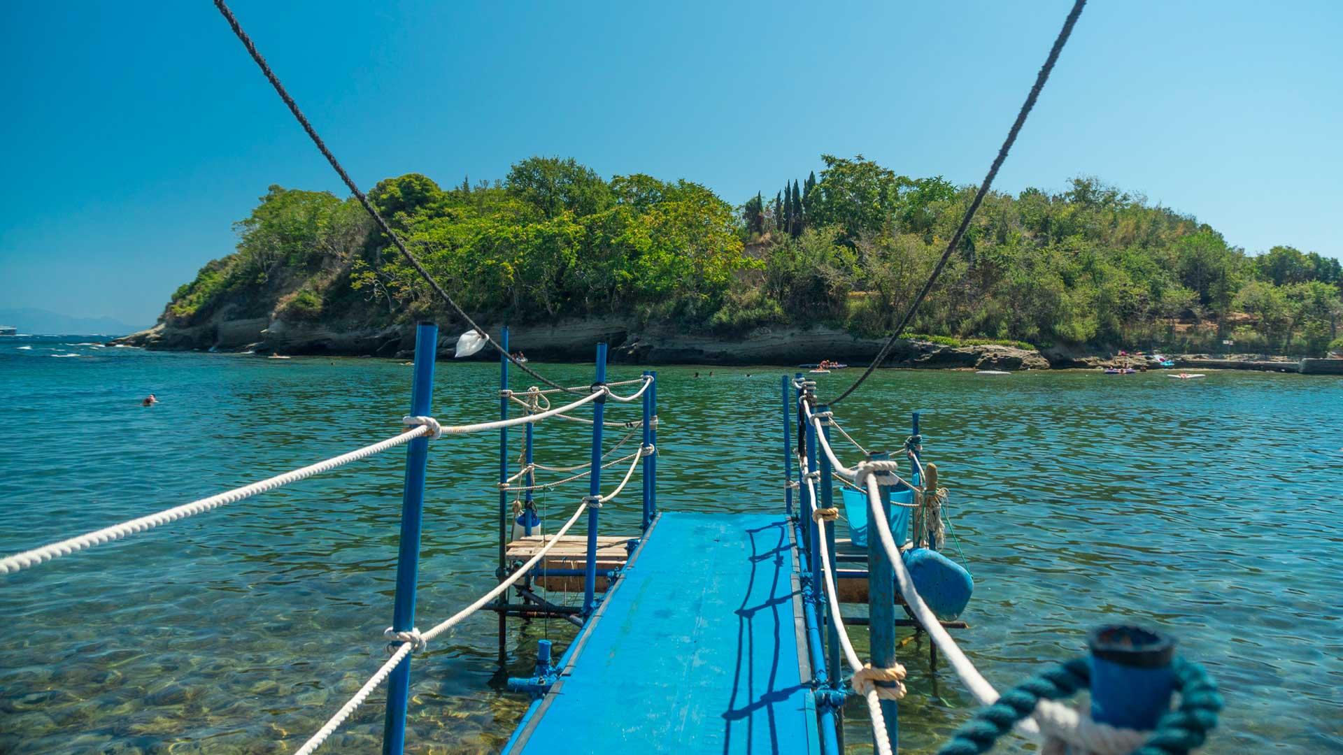 Spiaggia dello Schiacchetiello e Isolotto di Punta Pennata