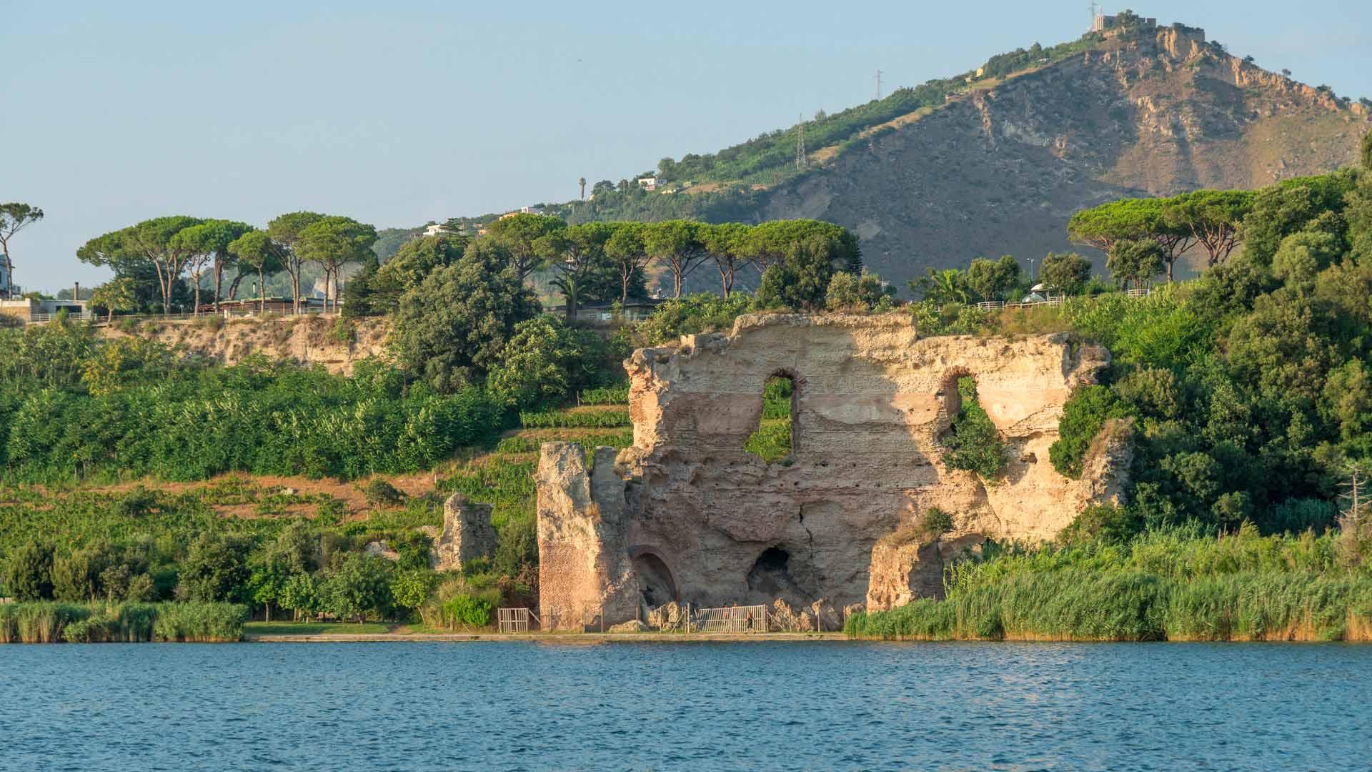 Tempio d'Apollo sul Lago d'Averno