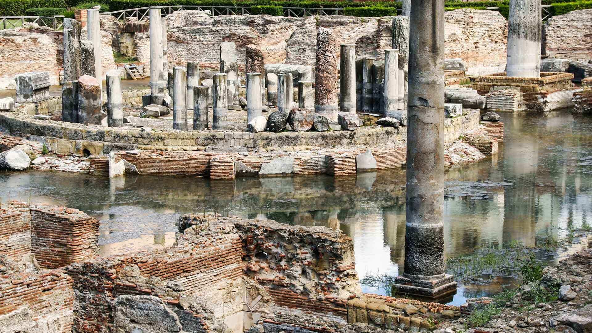 Interno del Tempio di Serapide