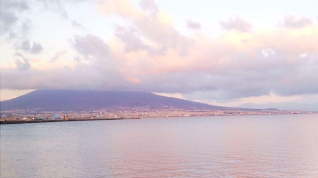 Il Vesuvio visto da Napoli