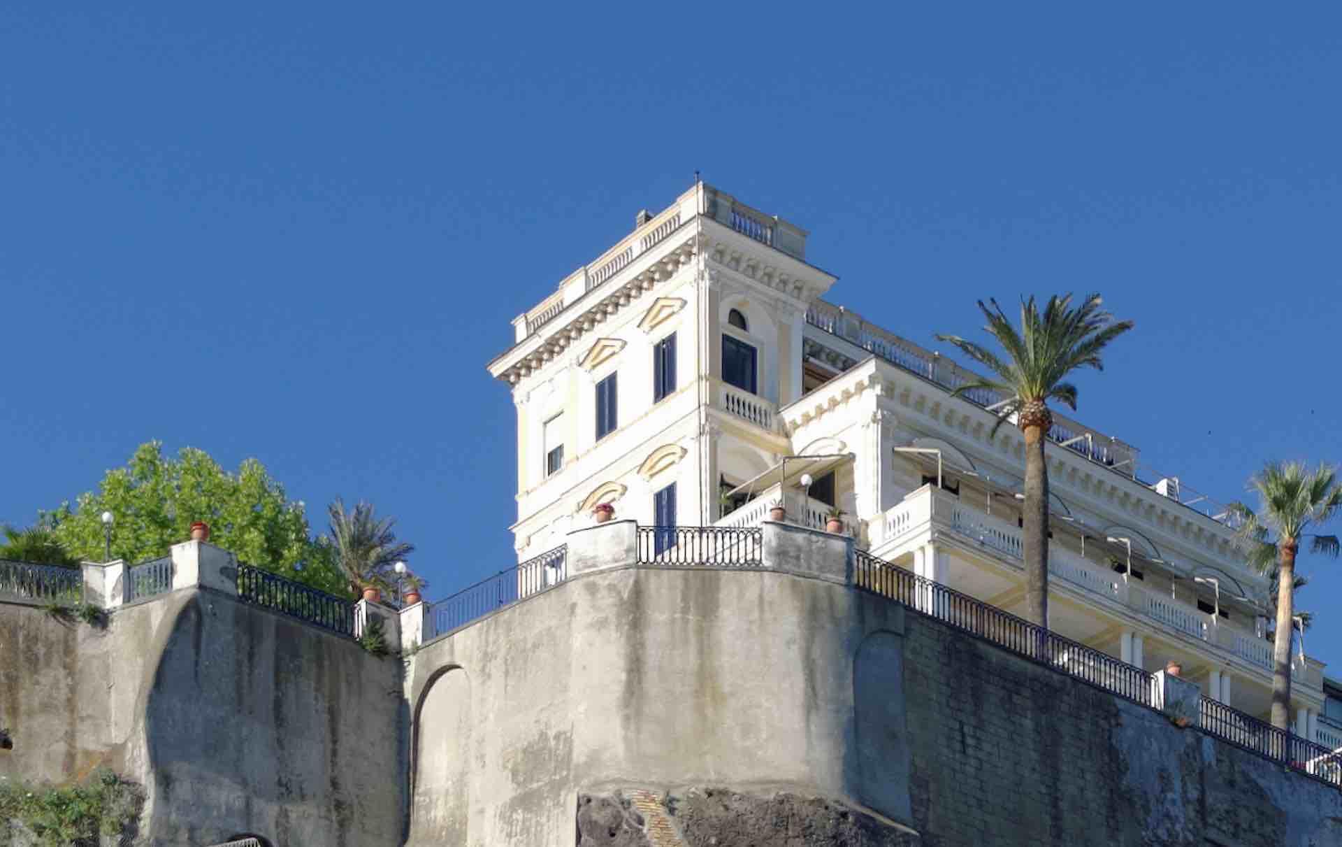 La Villa Comunale di Sorrento, il balcone della città